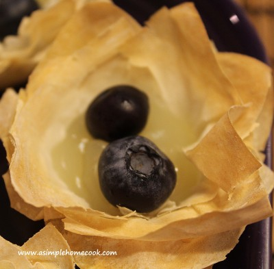 blueberry and lemon tartlet sans cream
