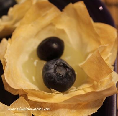 blueberry and lemon tartlet sans cream